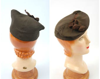 Late 1930s Early 1940s Brown - Tilt hat - Marshall Field and Company Size 22.5 // WWII era Hat Military Style 30s 40s hat beret