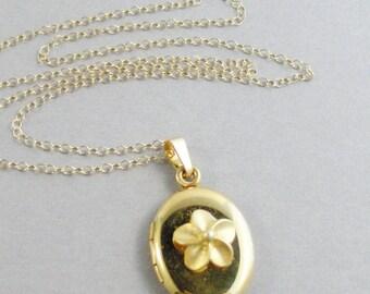SALE Golden Flower,Gold Locket, Gold Necklace,Gold Flower,Flower lOcket,Flower Necklace,Gold Jewelry,Gold in handmade,Gold flower Jewelry