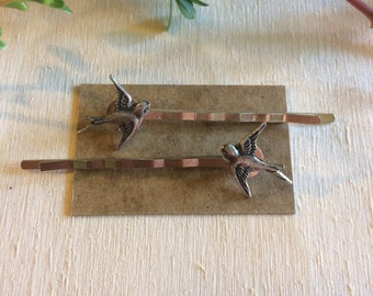 Handmade vintage style bird bobby pins // gift idea for her // boho nature // back to school // silver swallow sparrow hair clips
