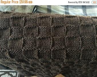 Christmas in July Knit wool throw/baby blanket (dark brown)