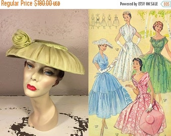 Anniversary Sale 35% Off I'll Be Ready For the Picnic - Vintage 1950s Apple Lime Green Chiffon Clam Shell Wide Brim Hat