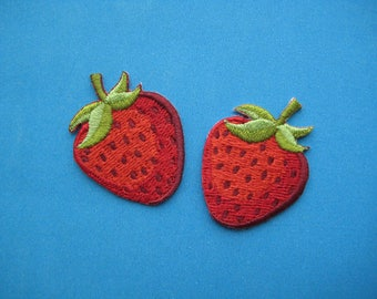 2 pcs Iron-on Embroidered applique Strawberry 1.5 inch