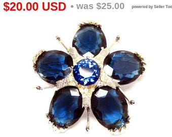 Five Petal Rhinestone Flower - Navy Royal Blue Faceted Oval Stones - Brushed Silver Tone  - Spikes between Petals - Vintage 1950s 1960s