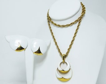 Trifari White Earrings and Pendant Necklace Set- Clip on Earrings, Gold Tone Chain & White Enamel Circles Pendant - Vintage 1970's MOD Demi