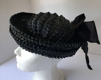Breton Style Ladies Black Straw Boater Hat w satin bow schoolgirl 50s 60s Vintage summer Sun Hat Women Dressy Curved Brim