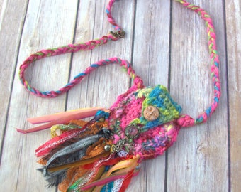 Crochet Amulet Bag- crystal bag crochet - magical jewelry - hippie necklace - gypsy necklace -Festival - wiccan necklace - dreamcatcher bag