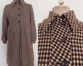 1940's Brown & Tan Houndstooth Swing Coat w/ Pockets Size Small Medium by Maeberry Vintage