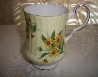 Royal Windsor Fine Bone China England, Yellow Daisy design, Coffee/Tea Pedestal Mug by Nanas Vintage Shop on Etsy
