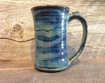 Stoneware coffee mug with nubin