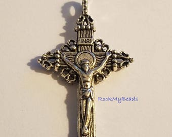 Ornate Cross with Jesus Image,findings,jewelry supplies,antiqued cross,rosary supplies,religious cross,catholic cross,religion,cross,jewelry