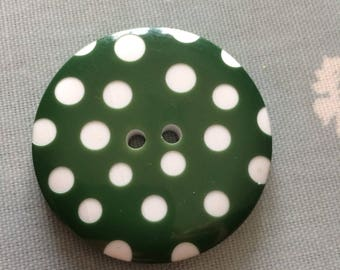 Giant green spotty button 50mm