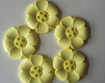 Lot of 5 Extra Large Flower Buttons - Pale Yellow