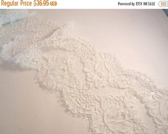 ON SALE Silk White Rose Pattern French Alencon Lace Trim--One Yard