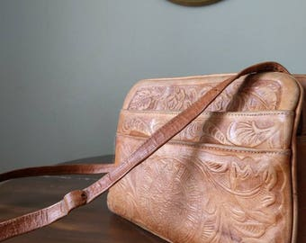 Leather Shoulder Bag Adjustable Strap Caramel Camel Coffee Color Hammered Design Boho Purse