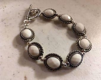 White Bracelet - Silver Jewelry - Beaded Jewellery - Fashion - Trendy - Southwestern