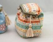 Kiss lock frame purse Clasp purse metal frame purse PDF Sewing Pattern & Tutorial with Photos