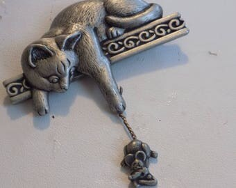 Vintage brooch, signed JJ (Jonette Jewelry) cat and mouse pewter brooch, vintage jewelry