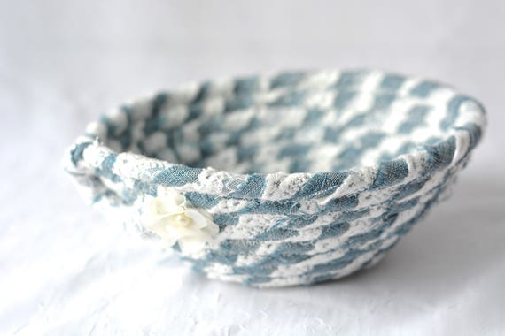 Upcycled Denim Bowl, Handmade Fabric Basket, Lacy and Denim Basket, Candy Bowl, Cute Girl Room Decoration, Cute Desk Accessory