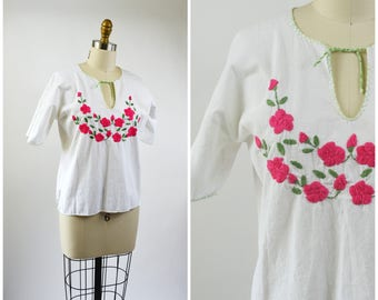 Vintage Mexican Top White Gauze Cotton Blouse Hand Embroidered Pink Flowers  Size Medium Pink and White