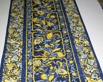 Sale Christmas in July Gorgeous Table Runner, gold metallic, or Wall Hanging fabric from Hoffman Canterbury line