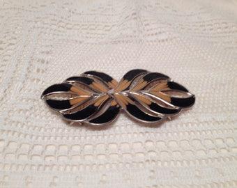 Black and Beige Leaf Shaped Metal Belt Buckle