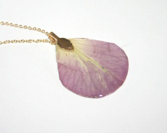 Gold plated pendant rose petal (50)
