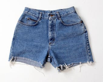 high waist denim shorts, vintage Lee cut offs, 1980s jorts waist 28