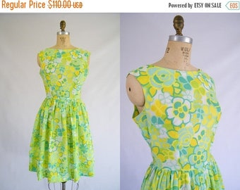 20% OFF SALE Vintage 1950s Dress / Garden Party Dress / Green, Yellow, White Floral