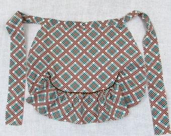 Vintage plaid ruffled apron - farmhouse apron - green brown plaid - 1950s