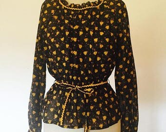 ON SALE Vintage 70s Peasant Blouse with Heart Print
