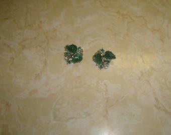 vintage clip on earrings silvertone green lucite leaves rhinestones