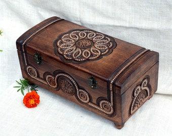 Personalized jewelry box Personalized wedding box Personalized ring box Personalized wooden box Wood box Large jewelry box wood Wood carving
