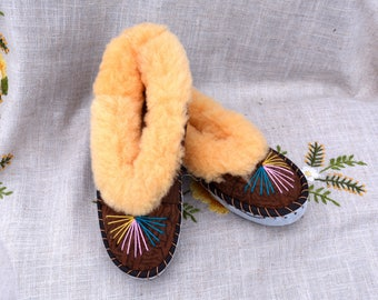 Warm leather slippers shoes SIZE 7.5 womens slippers sheepskin slippers leather embroidered moccasins woomen moccasin slippers shoes
