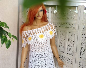 MADE TO ORDER top in white cotton sunflower off shoulder lace handmade crochet by golden yarn