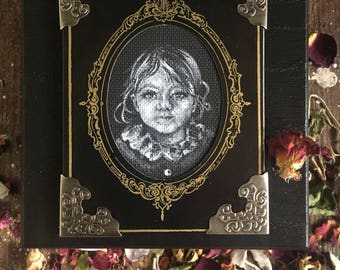 Custom Portrait Memory Box ~ Hand Painted Latched Case for Mementos, Crystal, or Runes ~ Occult Witch Victorian Tarot