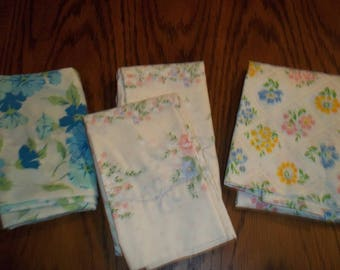 4 Pc lot collection Vintage print  PillowCases 1 Pair, 2 single, craft fabric, florals