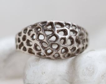 Gothic Filigree Ring - Sterling Silver Brutalist Dome Ring - Size 6.5