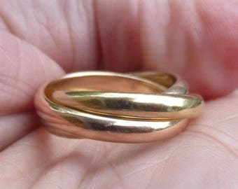 comfort fit  wedding band   size 5   in white, rose and yellow gold....14KT....Tricolor Trio 14K Gold....creepy crawly ring