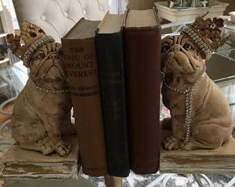 Adorable French bulldogs, French Nordic style farmhouse bookend pair
