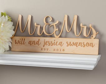 Wooden Wedding Gift - Mr. and Mrs. Sign - Personalized Wedding Sign - Free Shipping