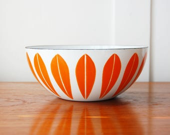 """Mid Century Modern 8"""" Cathrineholm Orange Lotus Pattern on White Enamel Bowl Made in Norway"""