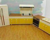 Tomy Smaller House  Kitchen Stove Sink Fridge items Fits 3/4 to 1 inch scale hard  Plastic