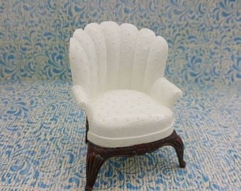 Renwal Wing  chair original White  Doll House Toy  Plastic  Family room Den Cozy arm chair