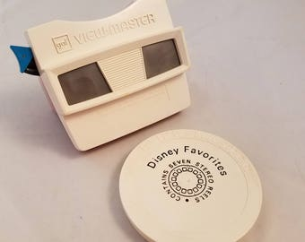 Gaf Viewmaster Red White Viewer and Disney Favorites 8 Reels