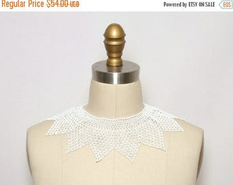 SALE Vintage Beaded Collar. Choker Necklace. Vintage Statement Necklace. Bib Necklace. Collar Necklace. Festival Jewelry. White Bead Necklac