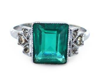 Vintage Art Deco Emerald Green Paste Silver Metal Ring