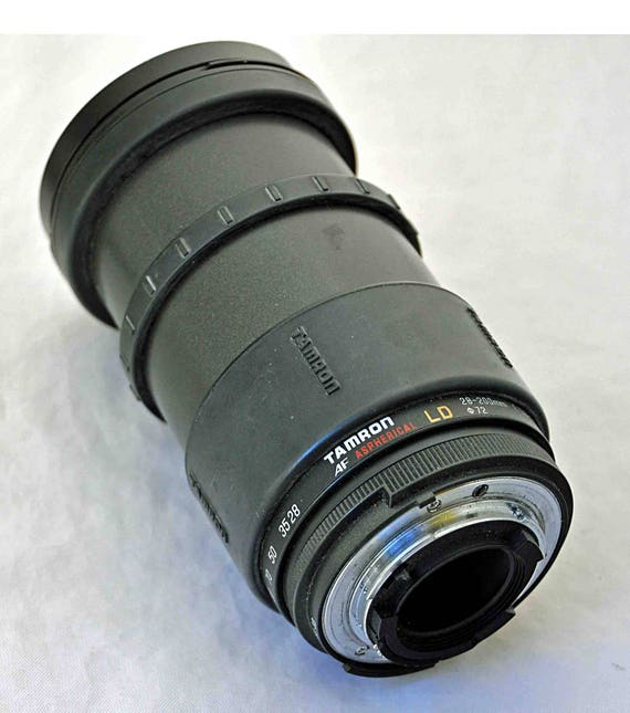 Tamron AF Aspherical LD 28-200mm f3.8-5.6 D72mm lens for Nikon SLR cameras Zoom Lense Very Good Working Condition