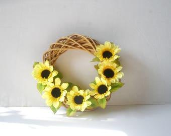 Sunflower wreath -Daisy flowers  wreath , Heart wtreth ,Daisies  decoration,White Daisy Wreath, summer Wreath, Front Door Wreath