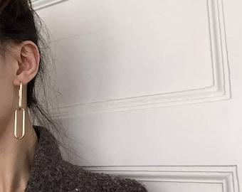 ON SALE Delicate gold elongated oval chain earrings - chain earrings