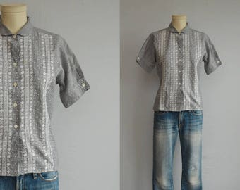 Vintage 50s Eyelet Blouse / 1950s Black and White Gingham Embroidered Shirt with Peter Pan Collar